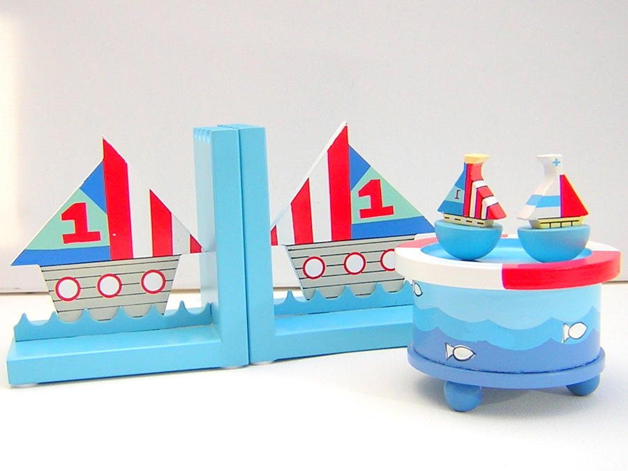 Gisela Graham Wooden Sailboat Bookends