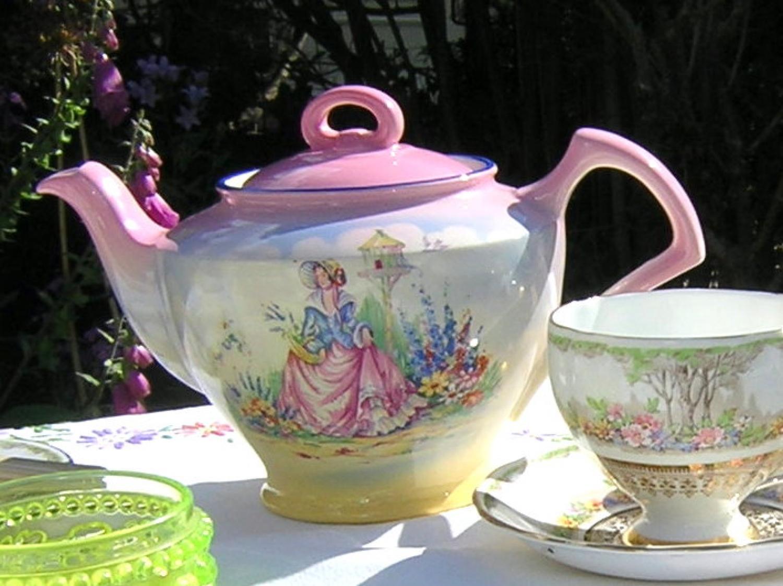 Crinoline Lady Teapot