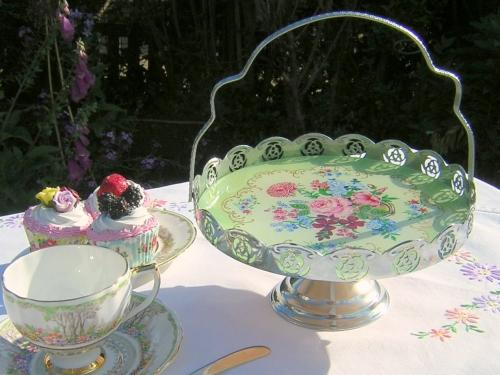 Summer Flowers Cake Stand