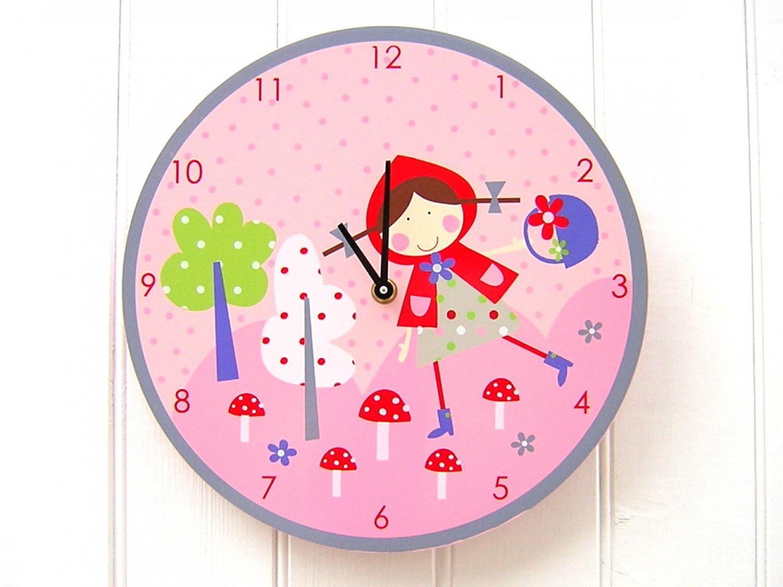 Strawberry Patch Clock