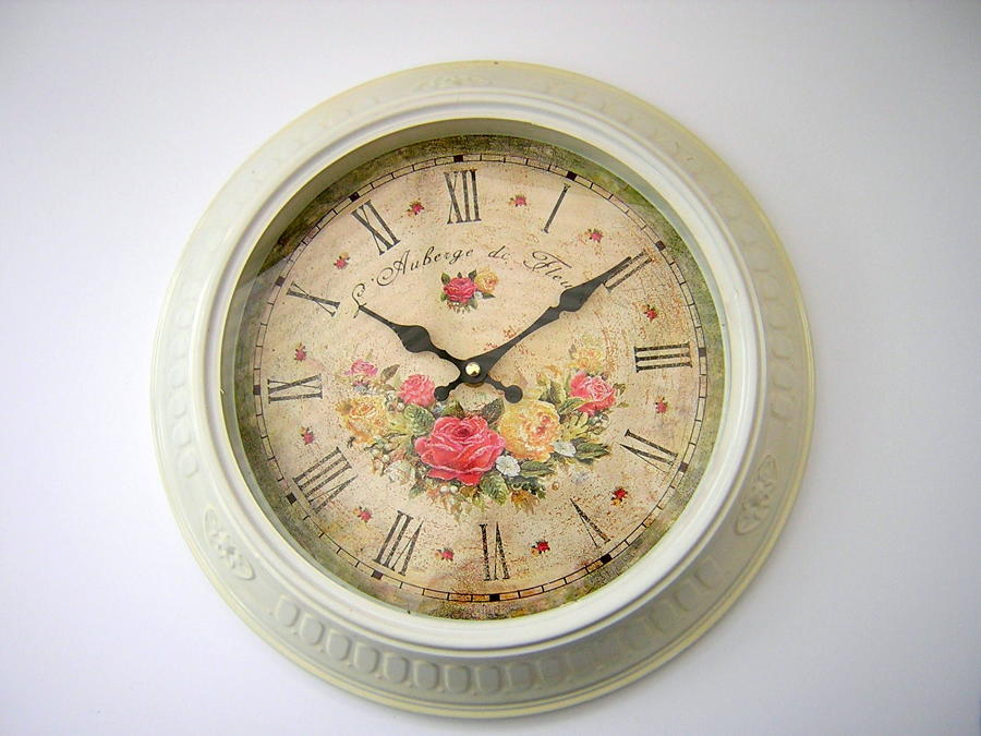 L'Auberge de Fleurs Clock