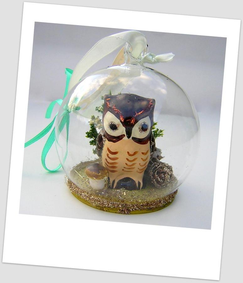 Frosty Owl Globe