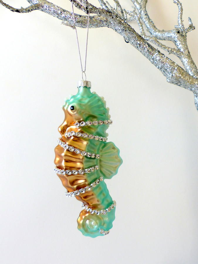 Underwater Treasures Seahorse Decoration
